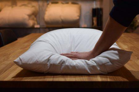 【神奈川県のお客様】朝起きるとぺちゃんこになっている羽毛枕をリフォーム